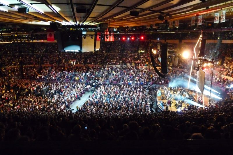 Musical swan song the top three music venues in the world amby for Madison square garden concert tonight