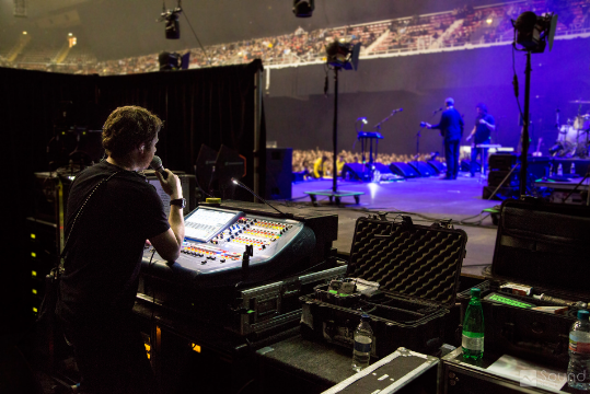Monitor engineer praying he don't piss nobody off