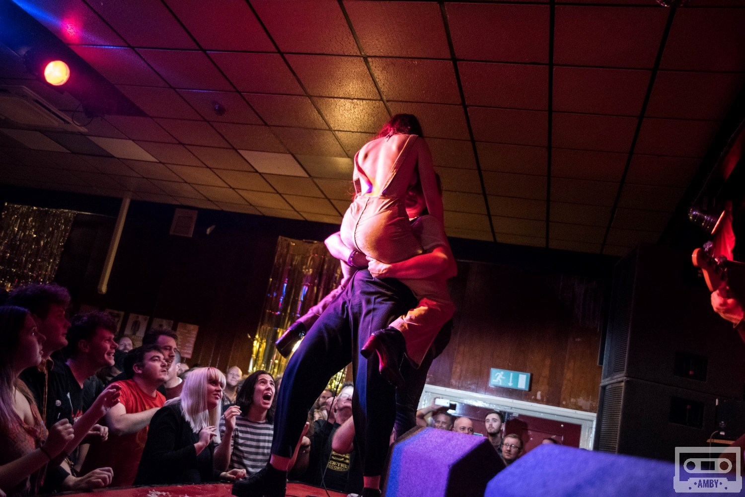 Review Photos The Moonlandingz Queens Social Club